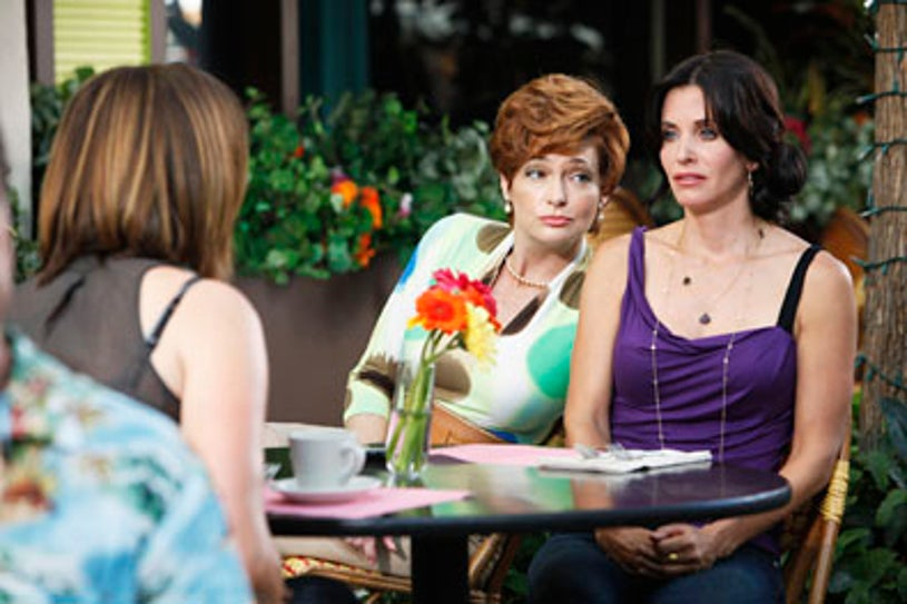 """Cougar Town - Season 1 - """"A Woman in Love (It's Not Me)"""" - Christa Miller as Ellie, guest star Carolyn Hennesy as Barbara Coman, and  Courtney Cox as Jules"""