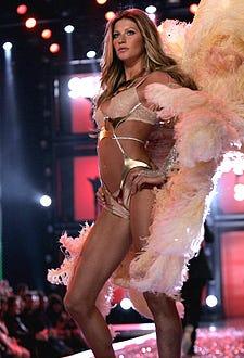 Giselle Bundchen walks the runway at the Victoria's Secret Fashion Show 2006