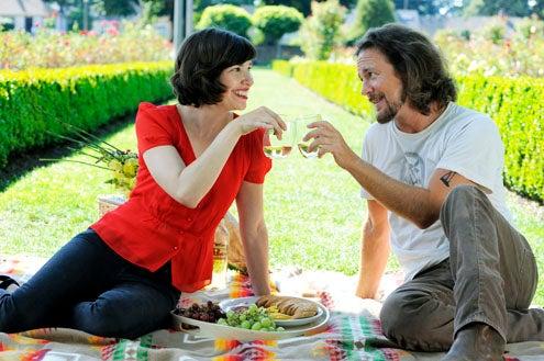 """Portlandia - Season 2 - """"One Moore Episode"""" - Carrie Brownstein and Eddie Vedder"""