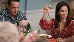 Exclusive Sneak Peek: The Neighbors Cooks Up a Classic Sitcom Thanksgiving Surprise