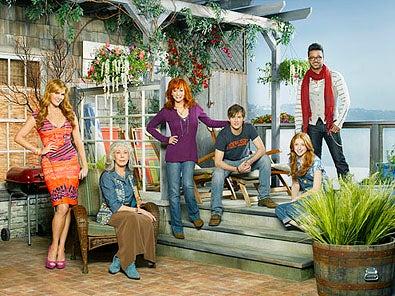 Malibu Country - Season 1 - Sara Rue, Lily Tomlin, Reba McEntire, Justin Prentice, Juliette Angelo and Jai Rodriguez