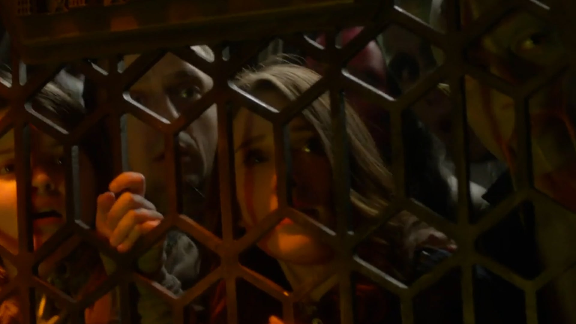 """Supergirl, """"Exodus"""": Rounded-up aliens stuck in a prison cell."""