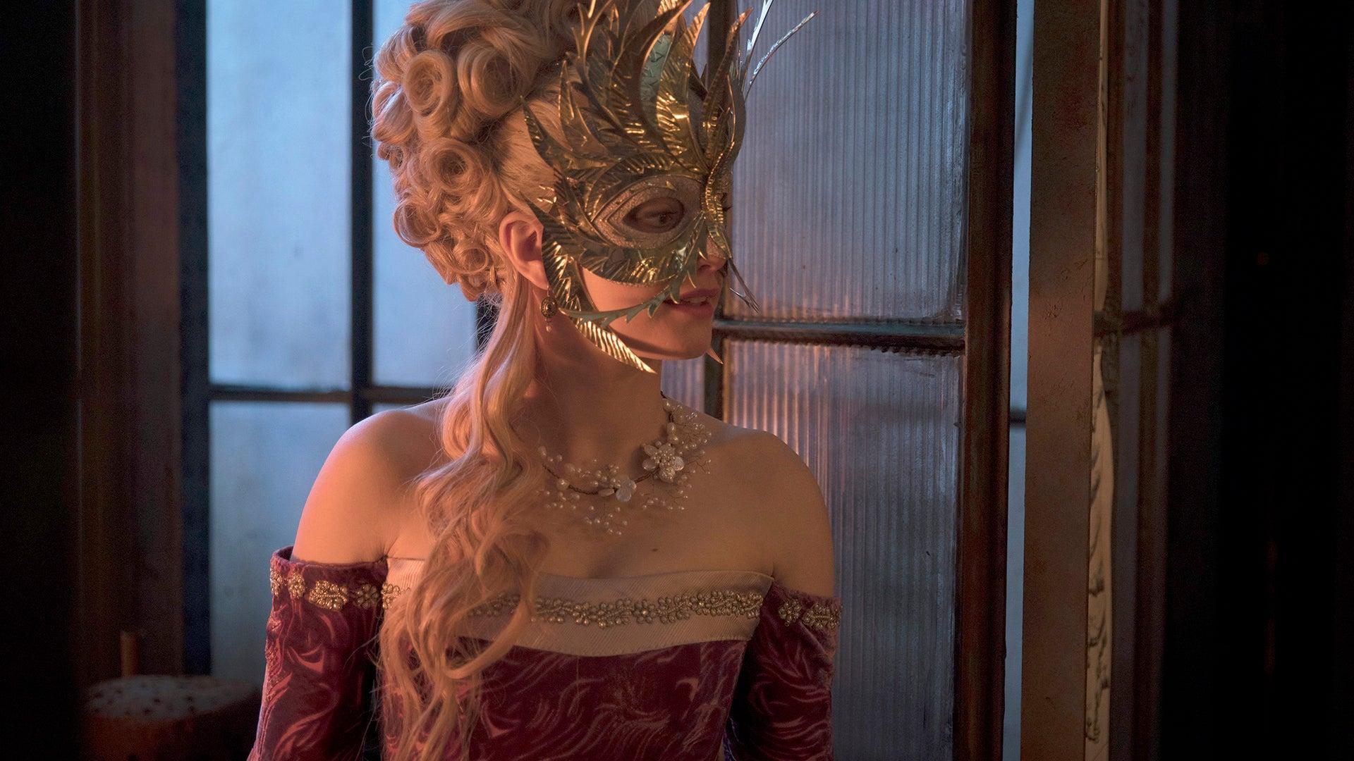 : Stefanie Martini as Lady Ev