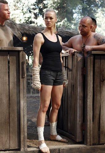 "Chuck - Season 4 - ""Chuck vs. Phase Three"" - Yvonne Strahovski as Sarah Walker"