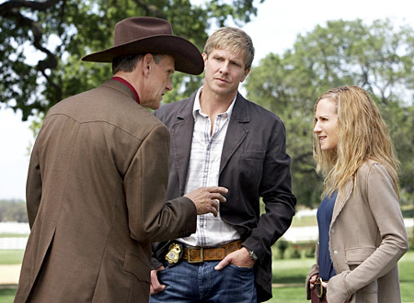 """Saving Grace - Season 1, """"Would You Want Me to Tell You?"""" - Steve Rankin as Alvin Green, Kenneth Johnson as Ham, Holly Hunter as Grace"""