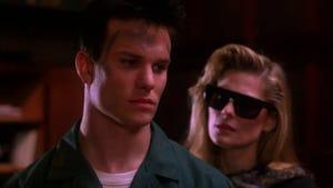 Twin Peaks, Season 2 Episode 13 image