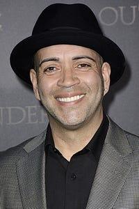 Luis Antonio Ramos as Rafael