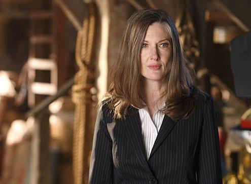 "Smallville - Season 9 - ""Hostage"" - Annette O'Toole"