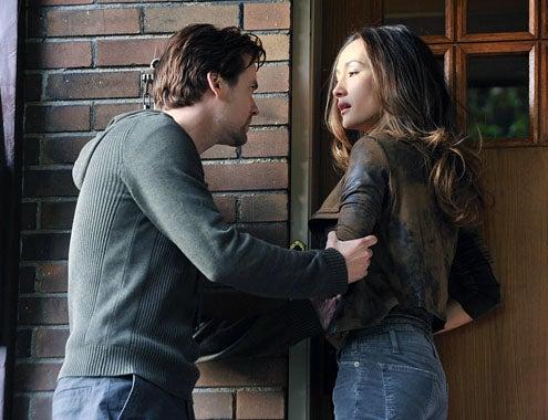 "Nikita - Season 2 - ""343 Walnut Lane"" - Shane West as Michael and Maggie Q as Nikita"