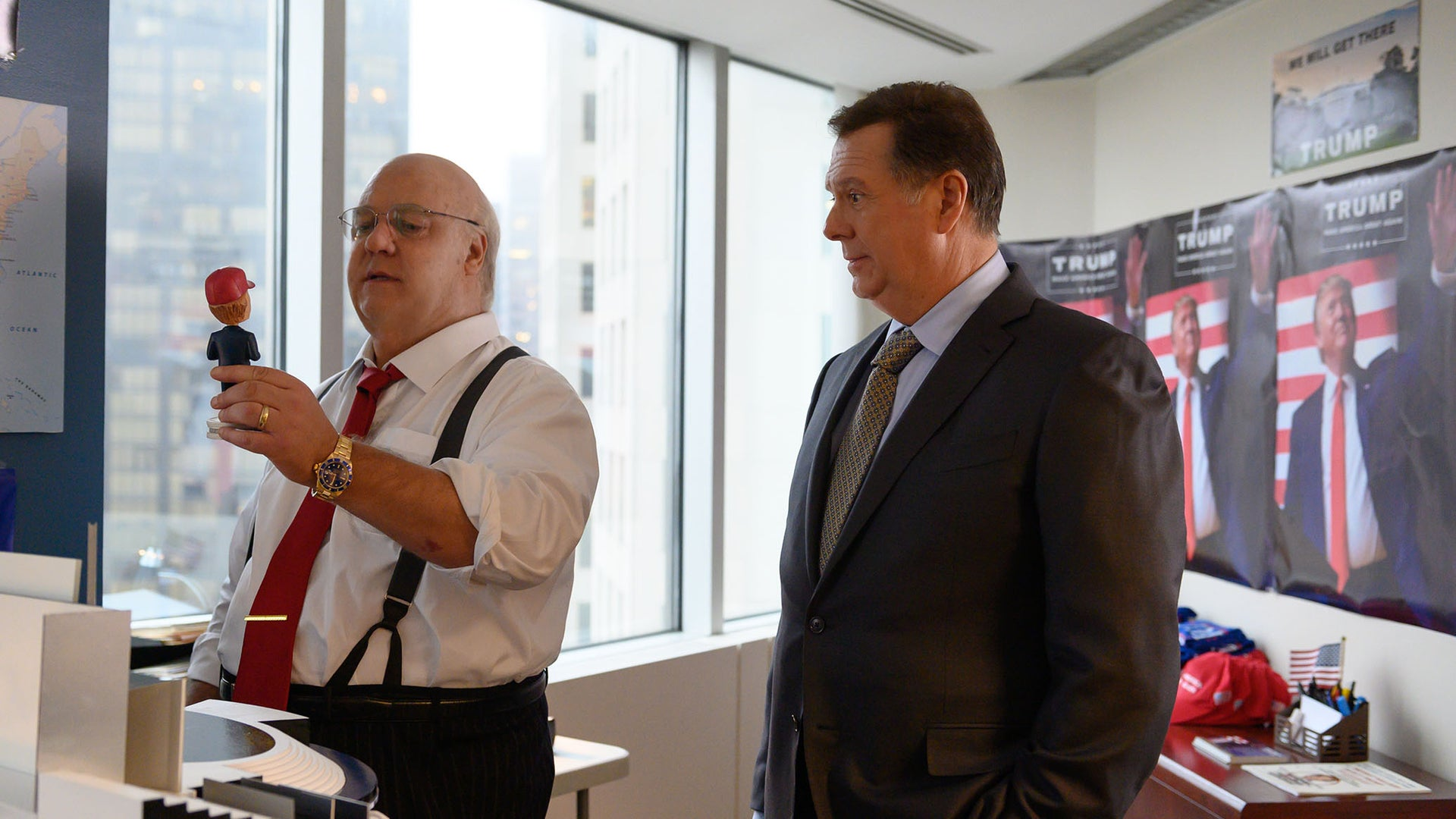 Russell Crowe as Roger Ailes and Eric Michael Gillett as Paul Manafort in The Loudest Voice