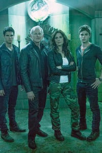 Robbie Amell as Chase