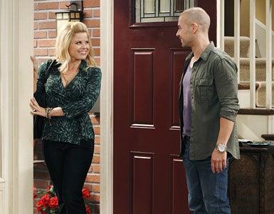"Melissa & Joey - Season 1 - ""Enemies with Benefits"" - Megan Hilty and Joey Lawrence"