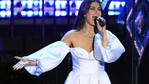 Frozen 2's Idina Menzel Enlists Elsas from Around the World for 2020 Oscars Performance