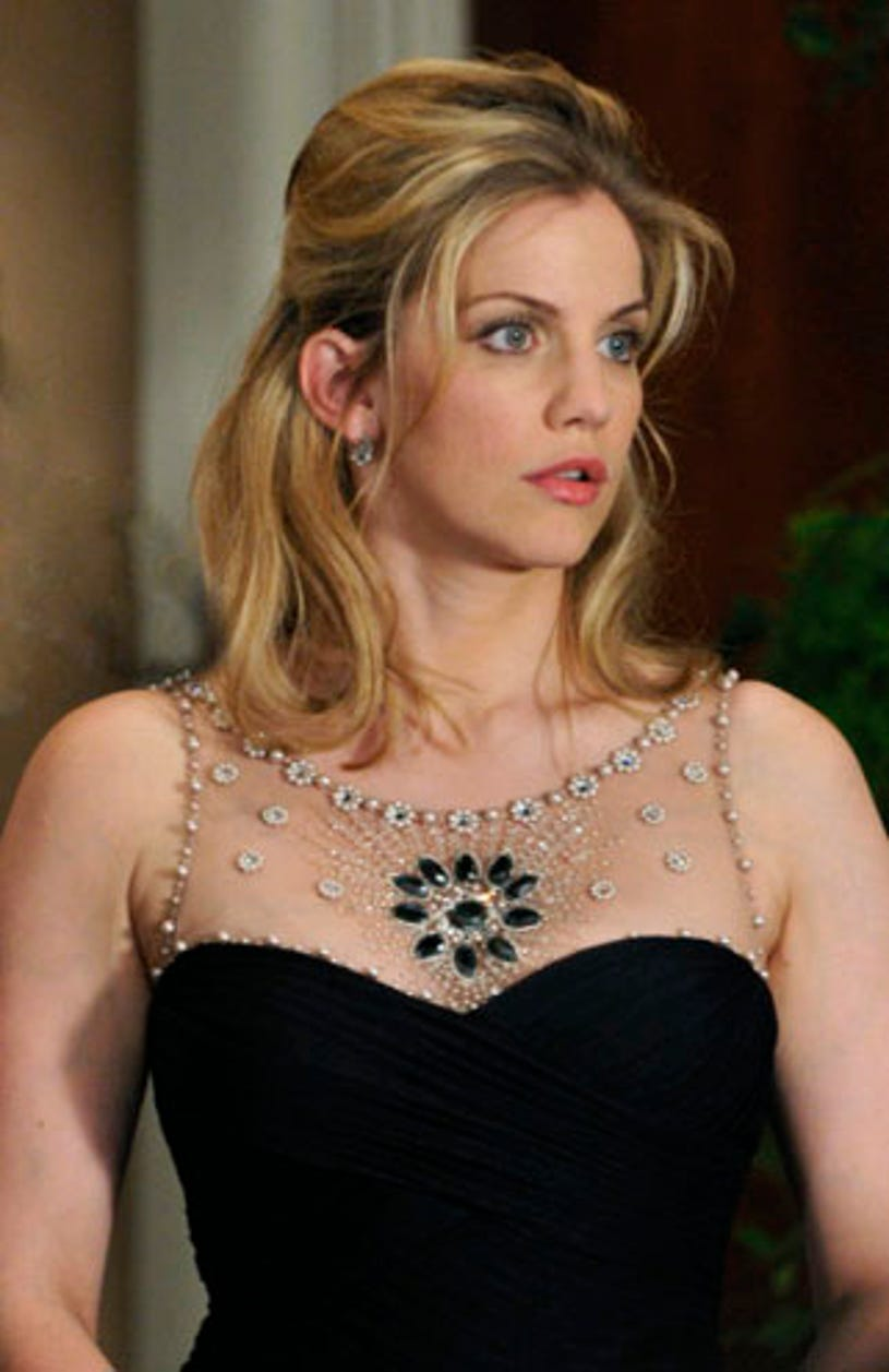 """Covert Affairs - Season 1 - """"I Can't Quit You Baby"""" - Anna Chlumsky as Vivian Long"""