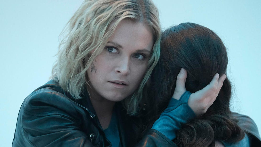 Eliza Taylor, Lola Flanery, and Marie Avgeropoulos, The 100