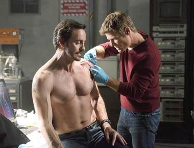 "V - Season 2 - ""Uneasy Lies the Head"" - Charles Mesure, Joel Gretsch"