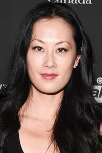 Olivia Cheng as Kendra
