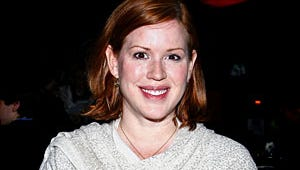 Ringwald Expecting Twins; Will American Teenager's Mom Be Pregnant, Too?