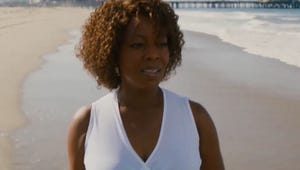 Netflix's Juanita Is Here to Remind Us That Alfre Woodard Is a Gem, Even If The Movie Isn't