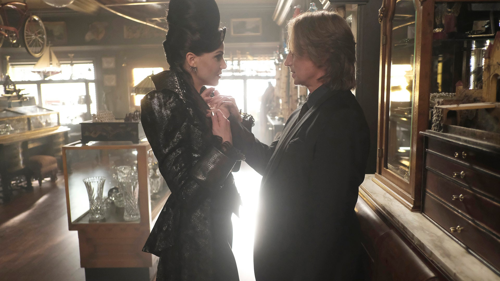 Lana Parrilla and Robert Carlyle, Once Upon a Time