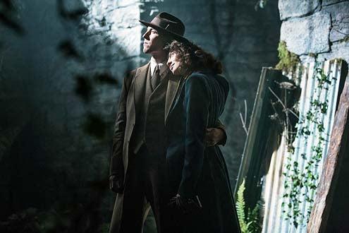 Outlander - Season 1 - Tobias Menzies and Caitriona Balfe