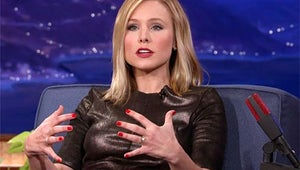 """VIDEO: Kristen Bell Talks About Filming """"Threesome"""" Sex Scenes While Pregnant"""
