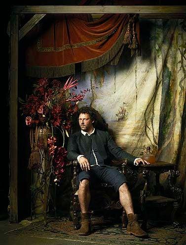 Crossbones - Season 1 - Richard Coyle as Tom Lowe