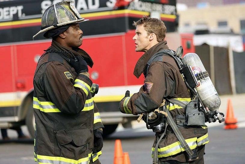 """Chicago Fire - Season 3 - """"Arrest in Transit"""" - Eamonn Walker and Jesse Spencer"""