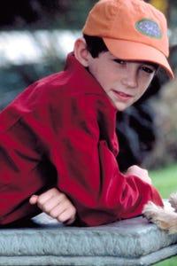 Liam Aiken as Robbie Bishop
