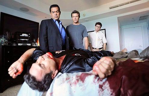 "The Glades - Season 1 - ""The Girlfriend Experience"" - Carlos Gomez, Matt Passmore and Jordan Wall"