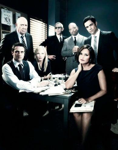 Law & Order: Special Victims Unit - Season 15 - Raul Esparza, Dann Florek, Kelli Giddish, Richard Belzer, Ice-T, Mariska Hargitay and Danny Pino