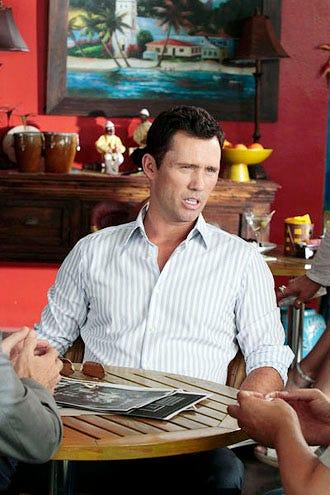 """Burn Notice - Season 5 - """"Acceptable Loss"""" - Jeffrey Donovan as Michael Weston"""