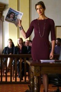 Alysia Reiner as Leslie Hurst