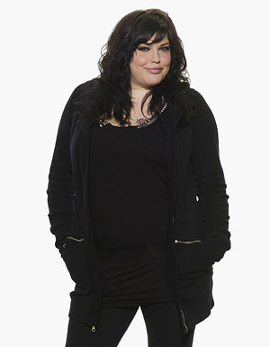 Pretty Wicked - Season 1 - Mia Tyler, judge