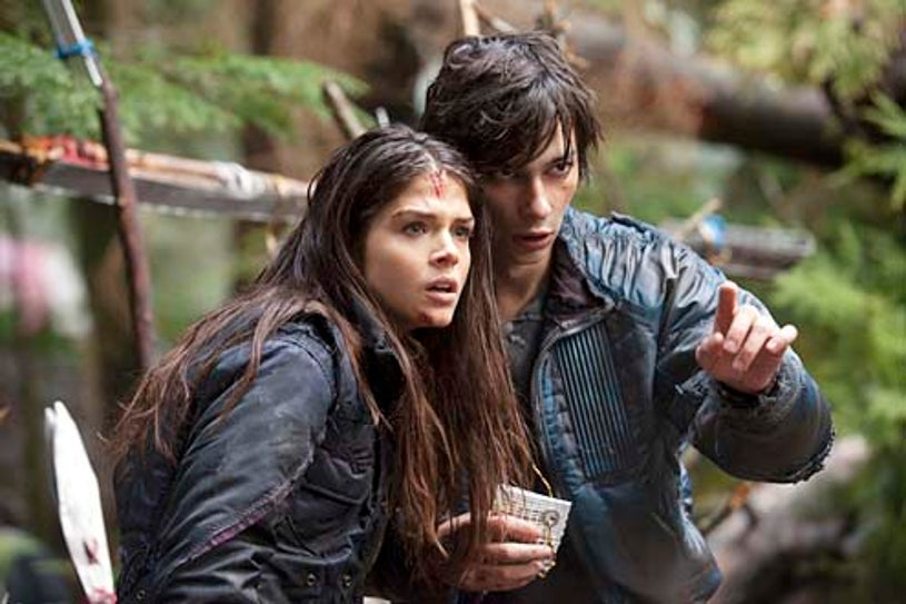 """The 100 - Season 1 -  """"Day Trip"""" - Marie Avgeropoulos and Devon Bostick"""