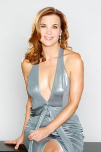 Gina Tognoni as Phyllis Summers