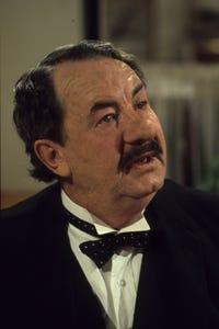 Leo McKern as Squint