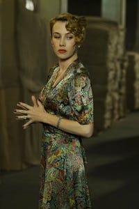 Wynn Everett as Lindsay