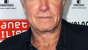 Pilot Season: James Caan to Star in Sports Comedy From Las Vegas Writers