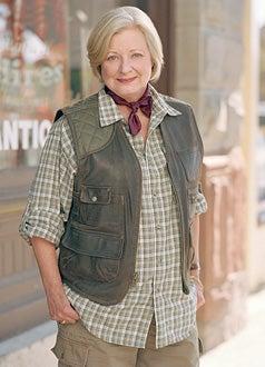 "Everwood - Debra Mooney as ""Edna Wallace"""