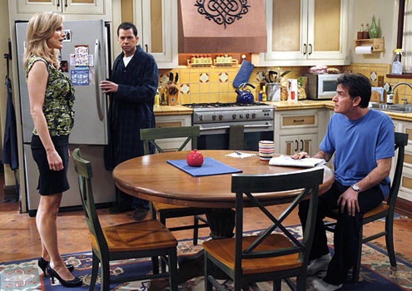 """Two and a Half Men - Season 8 - """"Skunk, Dog Crap and Ketchup"""" - Courtney-Thorne Smith as Lyndsey, Jon Cryer as Alan and Charlie Sheen as Charlie"""