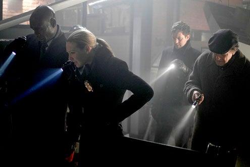 "Fringe - Season 2 - ""Jacksonville"" - Lance Reddick, Anna Torv, Joshua Jackson and John Noble"