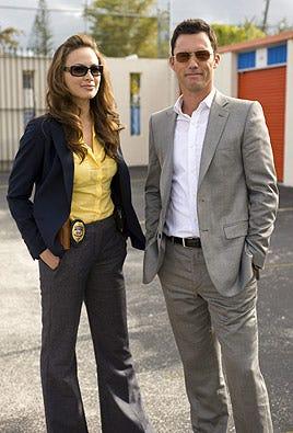 "Burn Notice - Season 3 - ""Question and Answer"" - Moon Bloodgood as Detective Paxon, Jeffrey Donovan as Michael Westen"