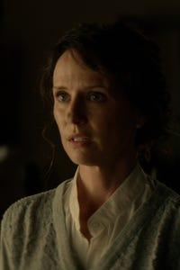 Jean Louisa Kelly as Lisa Harris