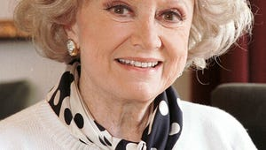 Legendary Comedienne Phyllis Diller Dead at 95