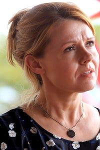 Sian Gibson as Gilly White
