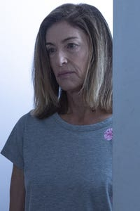 Barbara Williams as Joan Abbott