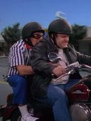 The King of Queens, Season 2 Episode 1 image