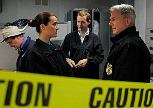 """NCIS - Season 8 - """"A Man Walks Into A Bar..."""" - David McCallum, Cote de Pablo, Sean Murray and Mark Harmon"""
