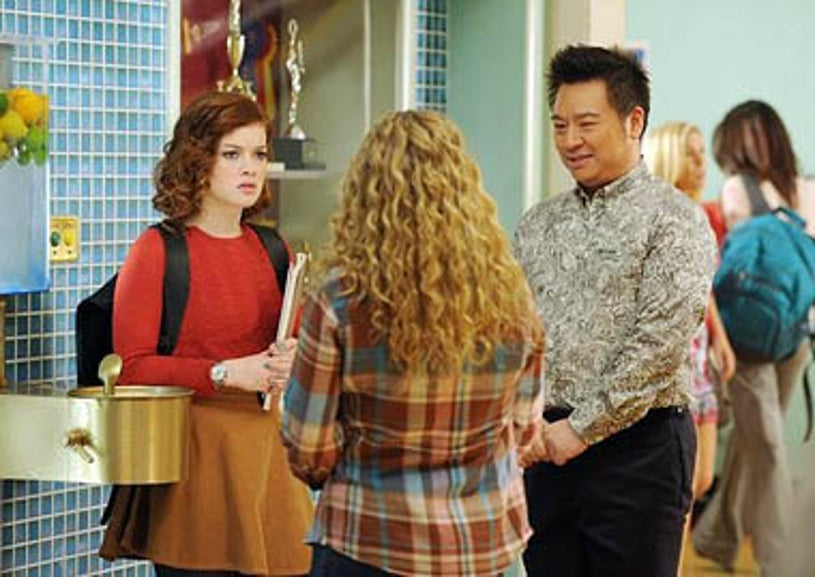 """Suburgatory - Season 1 - """"The Great Compromise"""" - Jane Levy, Allie Grant, Rex Lee"""